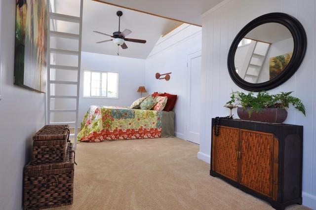 Kailua Beach House Staging tropical-bedroom