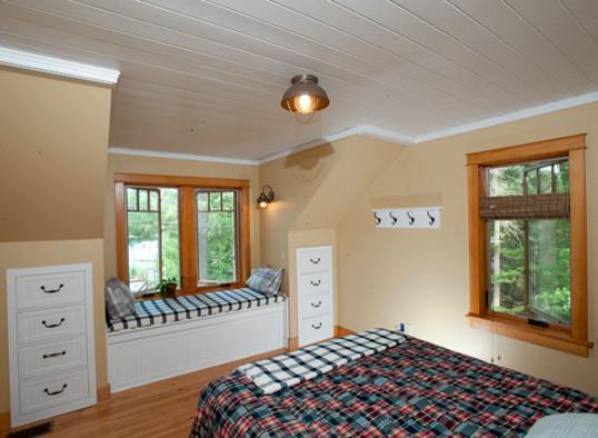 Kattskill Bay, Lake George New York traditional-bedroom
