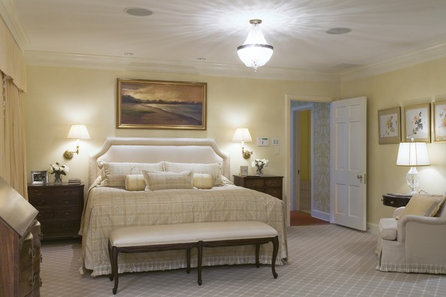 traditional bedroom by Kingsley Belcher Knauss, ASID
