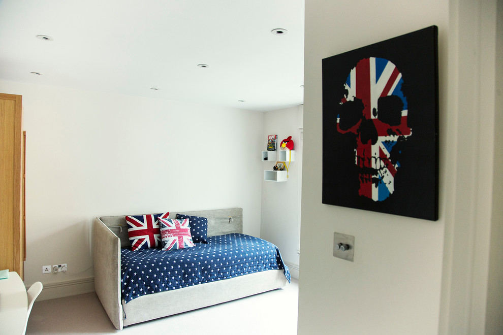 Inspiration for a mid-sized timeless carpeted bedroom remodel in London with white walls