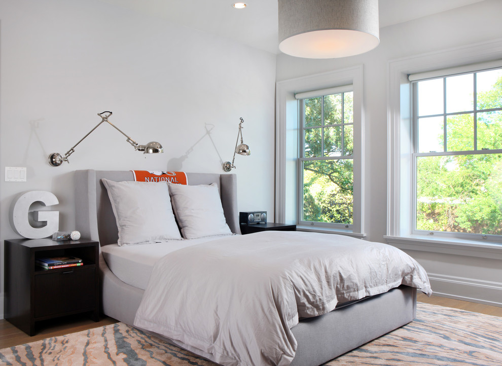 Bedroom - contemporary bedroom idea in Chicago with white walls