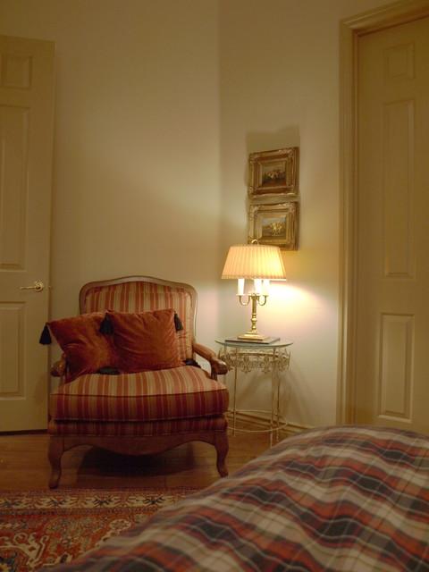 kgrahi traditional-bedroom