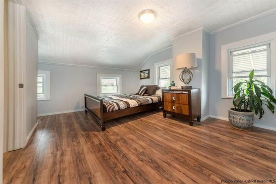 Kingston Renovation and Staging