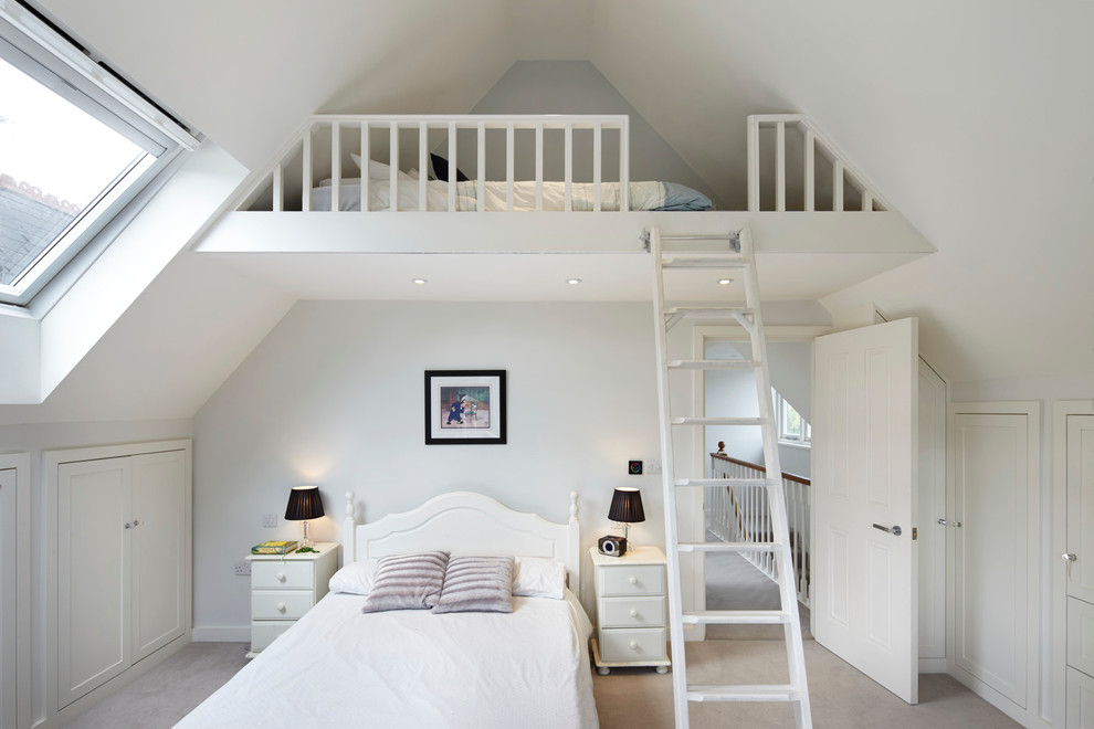 This is an example of a classic mezzanine bedroom in London.