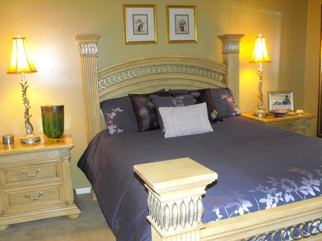 kmmouser traditional-bedroom