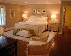 LA bedroom traditional-bedroom