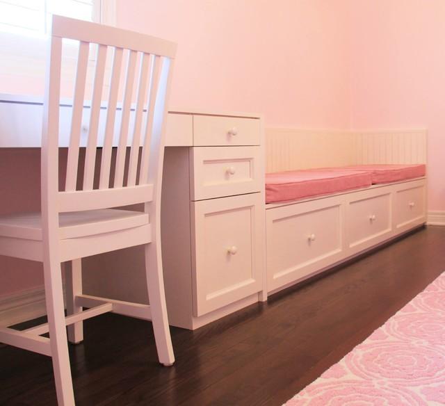 La chambre rose d'Émilie  Traditional  Bedroom  montreal  by AKB Design