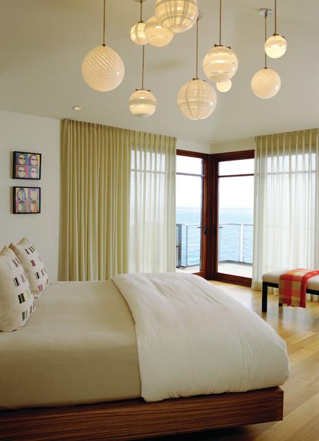 Laguna Beach Modern modern-bedroom