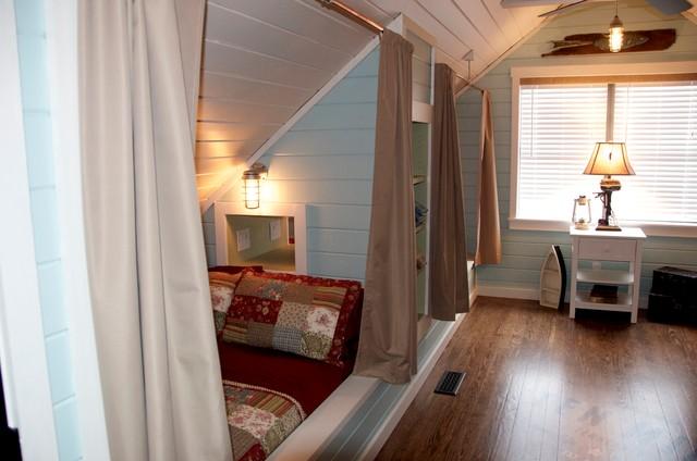 Lake Cottage Bunk Room