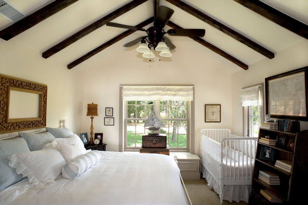 Bedroom - traditional carpeted bedroom idea in Dallas with beige walls