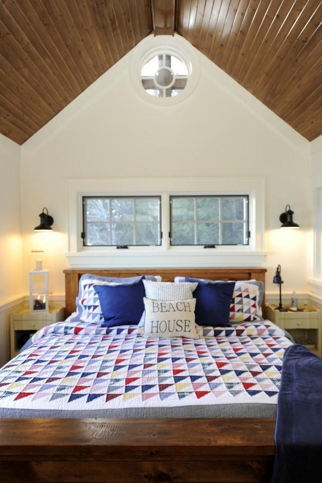 Bedroom - rustic bedroom idea in Toronto with white walls