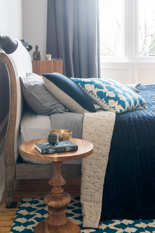 Lattice Cushion Teal and Velvet Linen Navy Bedspread