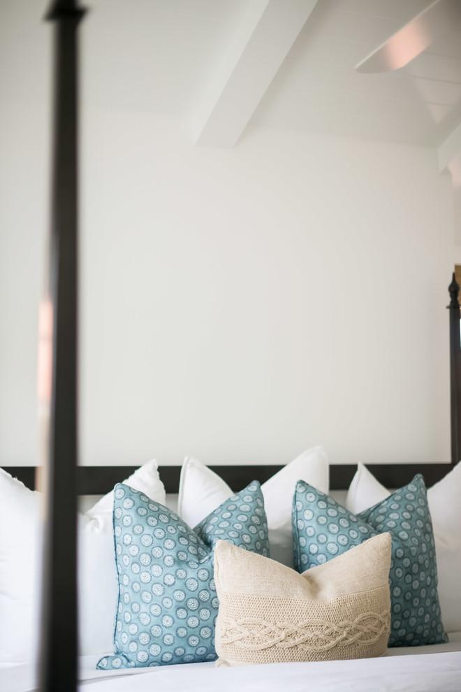Beach style bedroom photo in Orange County