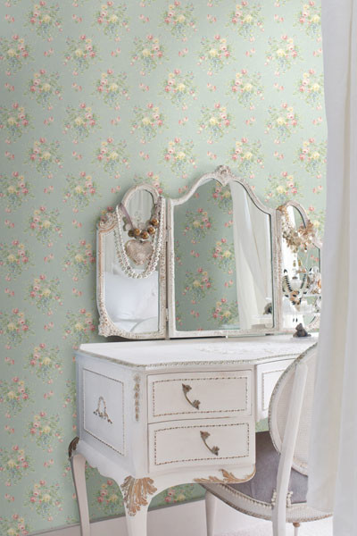 Light blue floral bouquet wallpaper traditional for Light blue wallpaper bedroom
