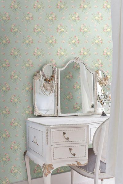 Light Blue Floral Bouquet Wallpaper