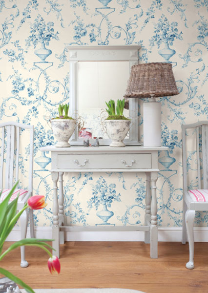 Light blue floral urn wallpaper traditional bedroom for Light blue wallpaper bedroom