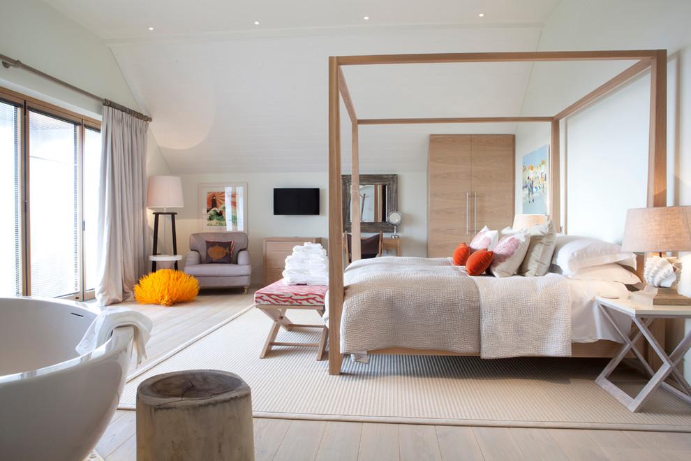 Bedroom - scandinavian bedroom idea in Devon