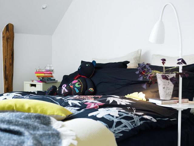 loft skandinavisch schlafzimmer stockholm von maria l w interior design. Black Bedroom Furniture Sets. Home Design Ideas