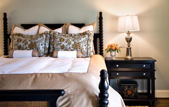 Lorraine Vale traditional-bedroom