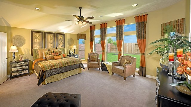 M/I Homes of Houston: Sienna Plantation - Alexandria Model traditional-bedroom