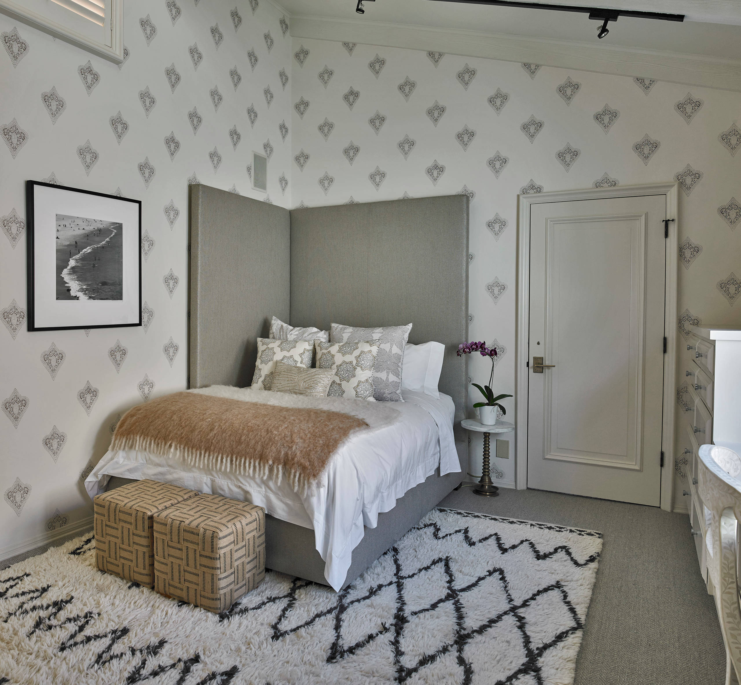 Picture of: Corner Headboard Ideas Photos Houzz