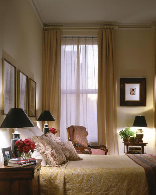 Manhattan Classical Pre War traditional-bedroom
