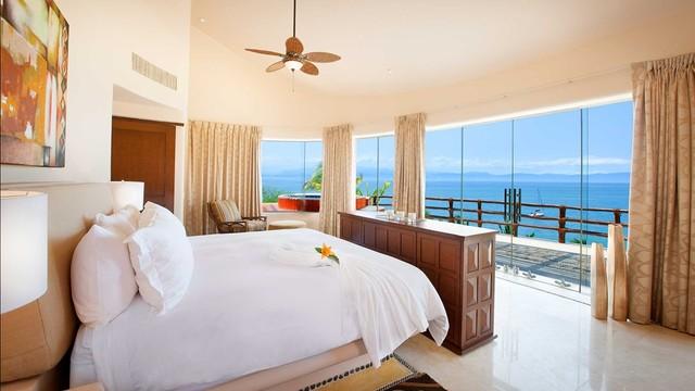 mariposa house. Black Bedroom Furniture Sets. Home Design Ideas