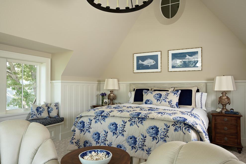 Bedroom - traditional master bedroom idea in Minneapolis with beige walls