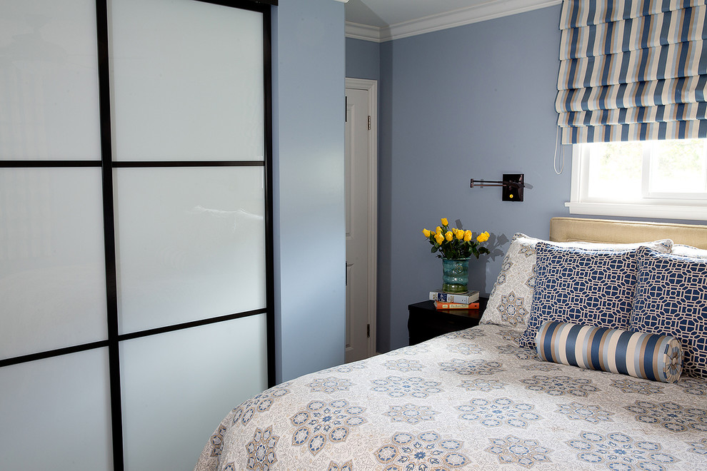 Example of a mid-sized classic bedroom design in Los Angeles