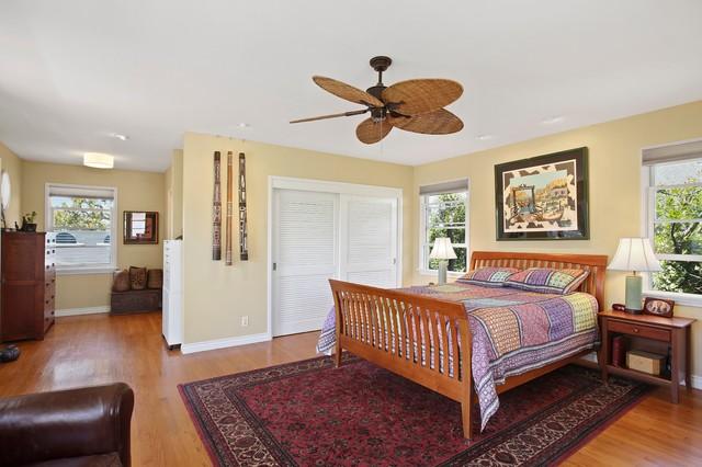 Master Bedroom East Costa Mesa Bungalow Orange County Ca Craftsman Bedroom Orange