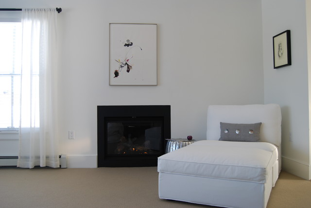 Master Bedroom Fireplace And Chaise Lounge Contemporary