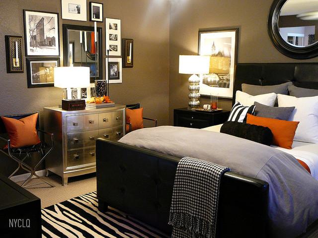 FALL SLEEP RETREAT contemporary-bedroom