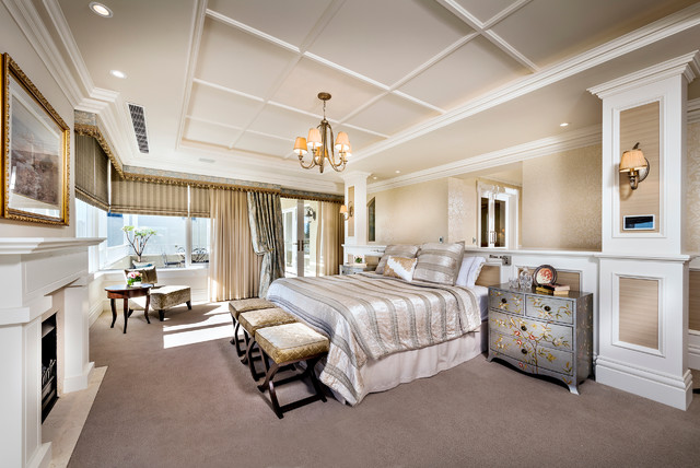 Master bedroom grand design for Grand bedroom designs