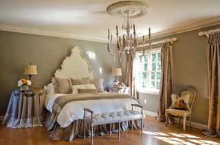 Master Bedroom - Holly Springs, Ga トラディショナル-寝室