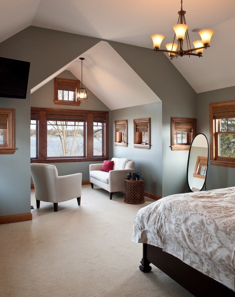 Bedroom - mid-sized traditional master carpeted and beige floor bedroom idea in Milwaukee with blue walls