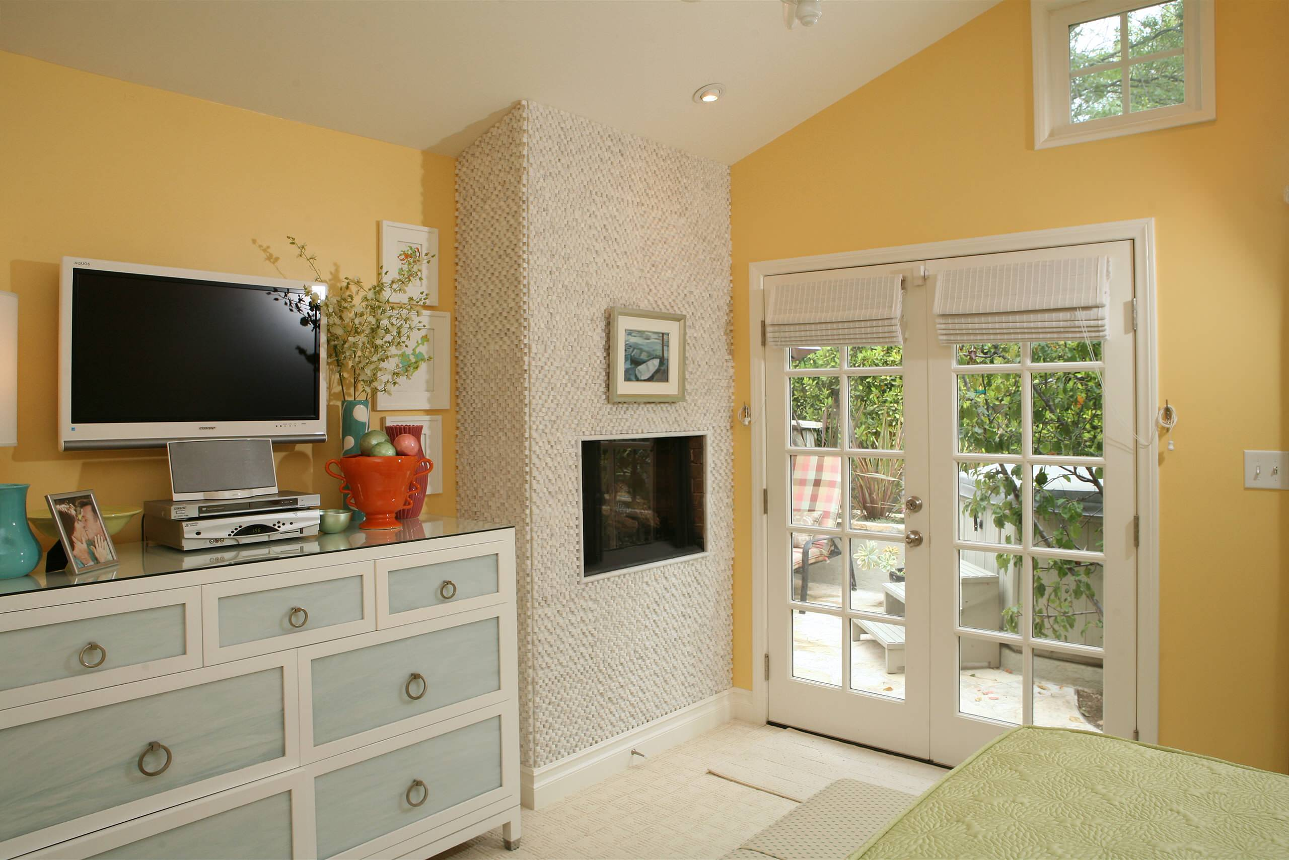 Tv On Dresser Houzz