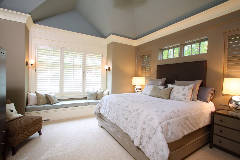 Bedroom - traditional master carpeted bedroom idea in Grand Rapids with gray walls