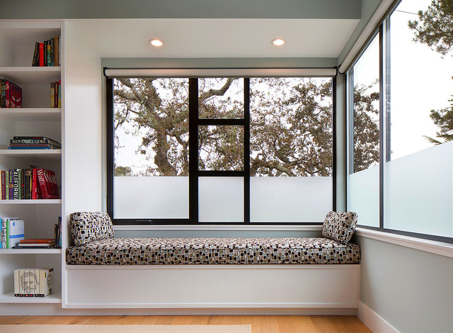 Genial Example Of A Mid Sized Minimalist Master Light Wood Floor Bedroom Design In  San Francisco