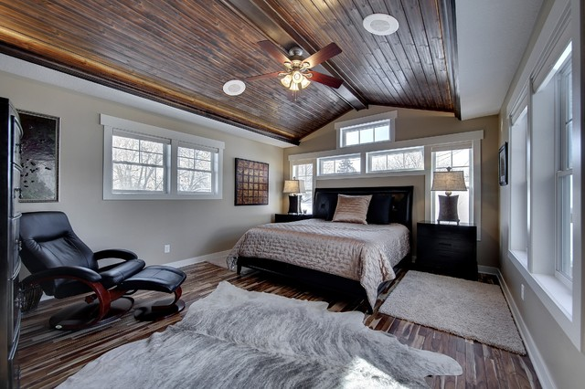 Master bedroom with vaulted wood ceiling traditional for Bedroom ideas vaulted ceiling