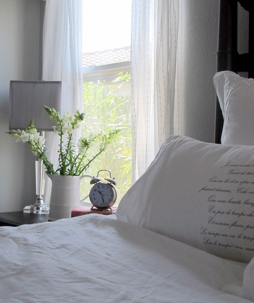 Inspiration for a shabby-chic style bedroom remodel in San Diego