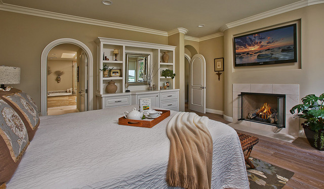 Master suite beach bungalow calm peaceful beach for Peaceful master bedroom designs