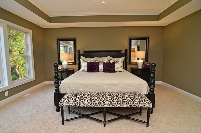 Bedroom Traditional Master Carpeted Idea In Minneapolis With No Fireplace