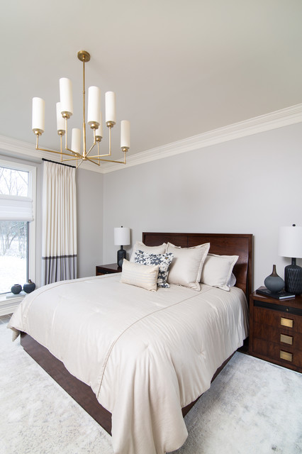 Example of a classic bedroom design in Detroit