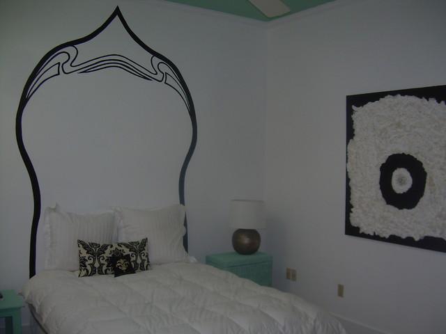 Minimalist Headboard contemporary-bedroom
