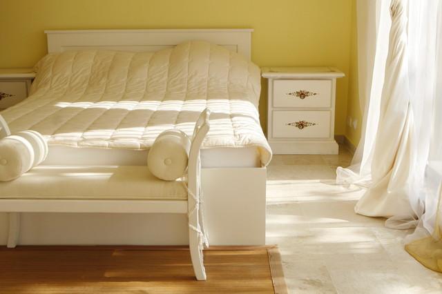 mobili decorati mediterranean-bedroom