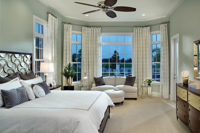Incroyable Large Transitional Master Carpeted Bedroom Photo In Tampa