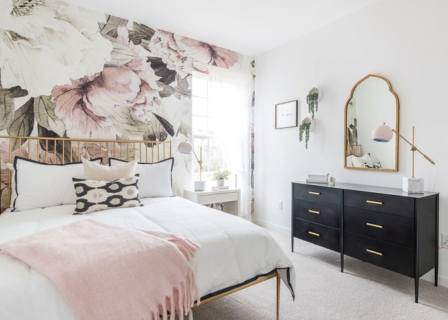 Bedroom - transitional carpeted and gray floor bedroom idea in Other with multicolored walls