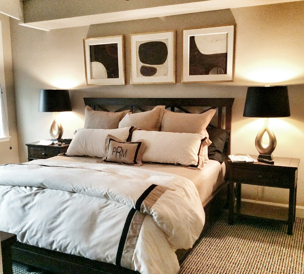 Example of a large minimalist master carpeted and beige floor bedroom design in Chicago with gray walls and no fireplace