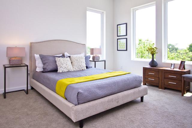 Modern   Chic modern-bedroom