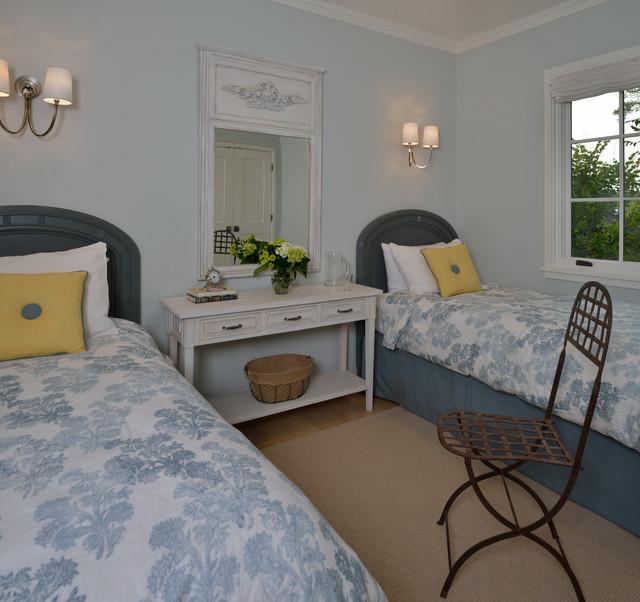 Mission Furniture In Transitional Design: Modern Craftsman House